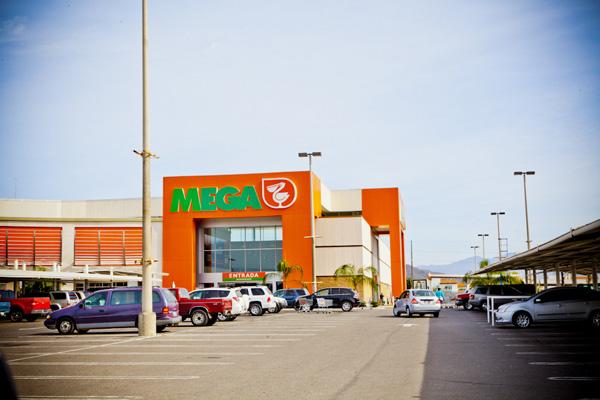 Mega-last-supermarket