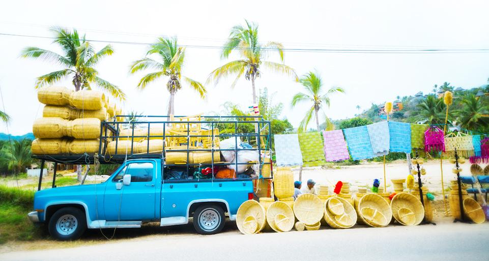 sayulita-retail-truck