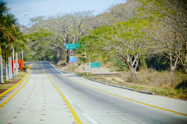 Just past Bucerias the road narrows and climbs into jungly hills