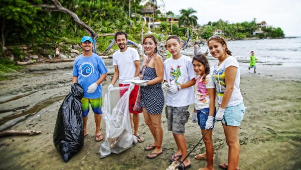 BeachCleanup-36