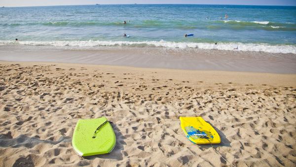 -en-boogie-boards-ready-for-action-es-boogies-listos-para-la-accin-