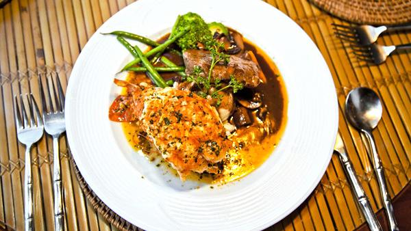 -en-lobster-and-steak-your-classic-surf-n-turf-es-filete-y-langosta-clsico-de-surfos-