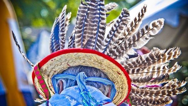 -en-huichol-ceremonial-hats-are-decorated-with-bird-feathers-es-sombreros-ceremoniales-huichol-decorados-con-plumas-