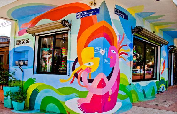 -en-colorful-streetcorner-stores-abound-es-coloridas-tiendas-abundan-en-las-calles-