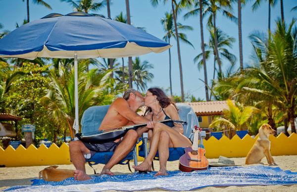 -en-songs-inspire-love-on-sayulita-beach-es-canciones-inspiradoras-de-amor-en-la-playa-