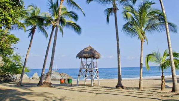 -en-playa-los-muertos-lifeguard-stand-es-torre-guarda-vidas-en-playa-los-muertos-