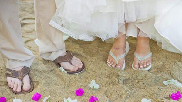 -en-a-perfect-beach-for-a-toes-in-the-sand-ceremony-es-playa-perfecta-para-una-ceremonia-de-dedos-en-la-arena-
