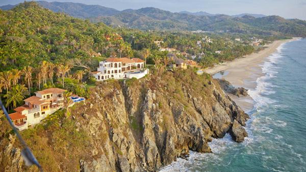 -en-clifftop-villas-at-the-north-end-of-san-pancho-es-villas-en-la-cima-del-risco-al-norte-de-san-pancho-