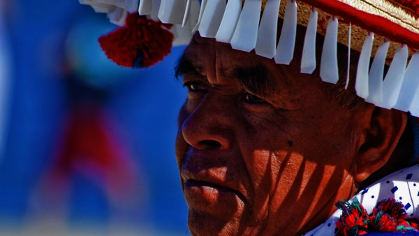 -en-the-huichol-world-is-different-you-can-see-it-in-their-eyes-es-el-mundo-huichol-es-diferente-puede-verlo-en-sus-ojos-