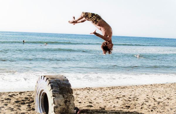 -en-surfers-acrobats-you-name-it-sayulita-has-it-es-surfos-acrbatas-usted-dgalo-sayulita-lo-tiene-