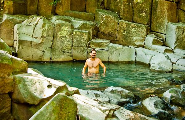 -en-natural-swimming-pool-alta-vista-es-piscina-natural-en-alta-vista-
