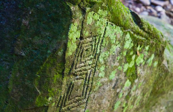 -en-a-thousand-year-old-petroglyph-at-alta-vista-es-un-petroglifo-milenario-en-alta-vista-