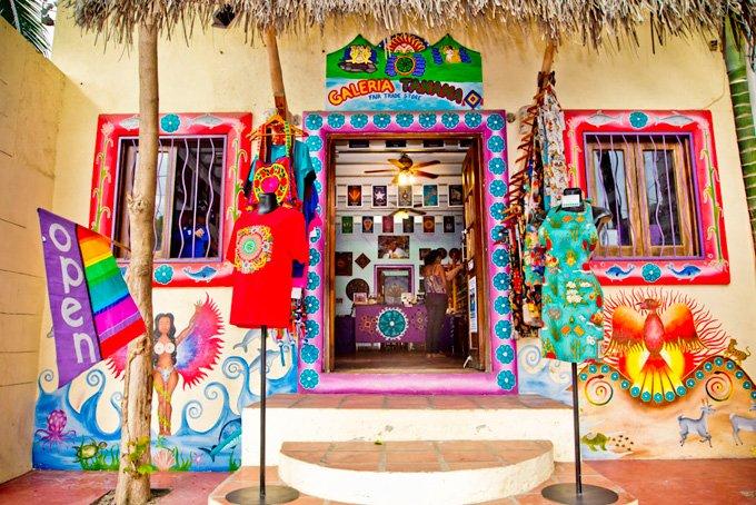 -en-galeria-tanana-brings-huichol-artwork-to-modern-world-es-galera-tanana-trae-el-arte-huichol-al-mundo-moderno-