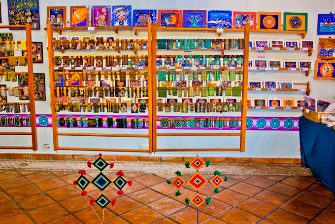 -en-colorful-huichol-arts-and-crafts-can-be-worn-or-displayed-es-muestra-de-colorido-arte-huichol-