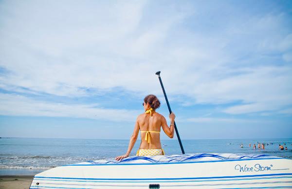 -en-relaxing-ready-to-head-out-to-sea-es-relajndose-listo-para-salir-al-mar-