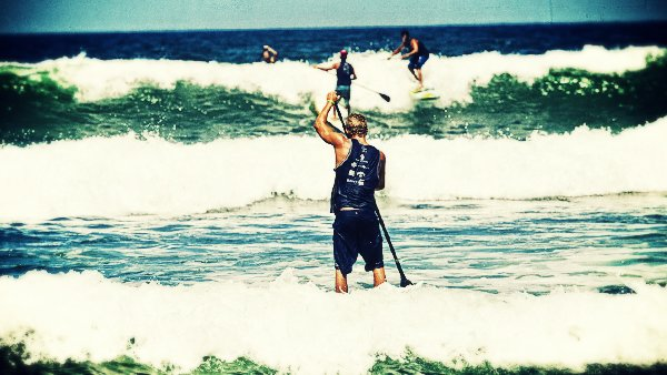 -en-good-sized-waves-made-the-paddling-races-challenging-es-olas-de-buen-tamao-en-la-competencia-