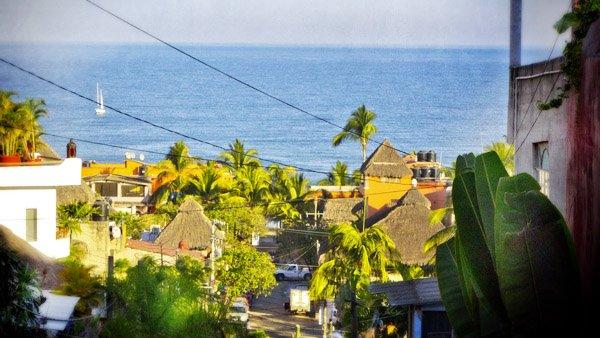 -en-views-of-town-and-sea-can-be-intimate-from-gringo-hill-es-vistas-casi-ntimas-desde-la-colina-del-gringo-