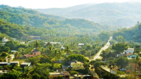 -en-sayulitas-tamarindo-neighborhood-es-barrio-tamarindo-