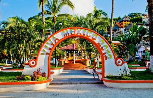 -en-the-plaza-the-heart-of-sayulita-es-la-plaza-el-corazn-de-sayulita-