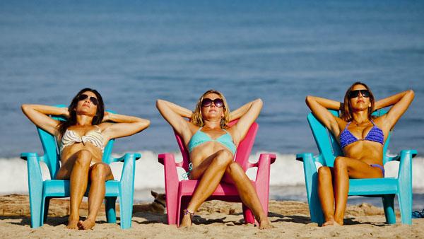 -en-seats-sunshine-shades-pretty-maids-all-in-a-row-es-sillas-sol-gafas-oscuras-doncellas-bonitas-todo-en-uno-